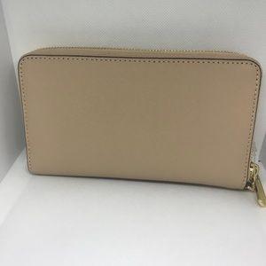 17607a2778931e Michael Kors Bags | Jet Set Oyster Wallet Lg Flat Phone Case | Poshmark